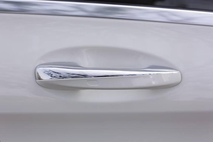 NT230_XH010615_Mercedes-Benz-C250-AMG - 13